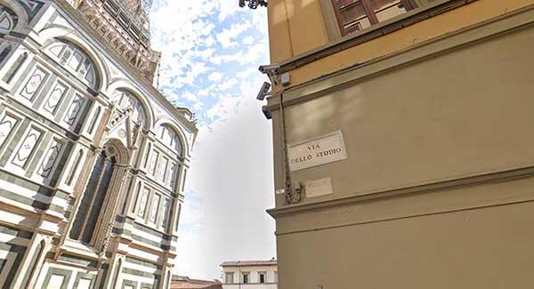 La Leggeda del Rifrullo del Diavolo in Toscana - Via dello Studio a Firenze vicino al Duomo